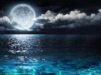full-moon-water